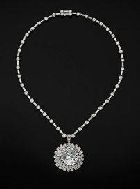 748a6f7e437d7d6f0e9fa3faa80ee040--harry-winston-blue-diamonds