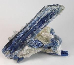 640px-Kyanite-201653