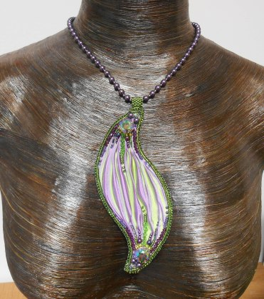 1 necklace jewellery jewelry pendant beads rope garnets cabochon seed beaded embroidery glass Swarovski crystal bicones pearls irridescent shibori silk purple green handmade