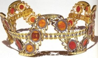 An intricate tiara of possibly carnelian and amber, given to Josephine by her sister-in-law, Caroline, 1808.
