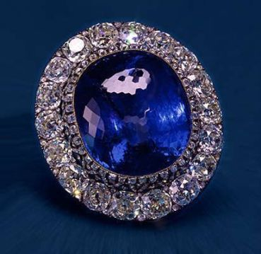fbaa56fac90a1ac25b4e18f7857b58ea--luxury-jewelry-royal-jewels