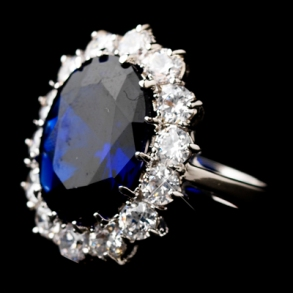 Sapphires_10_The-Royal-Blue-Sapphire