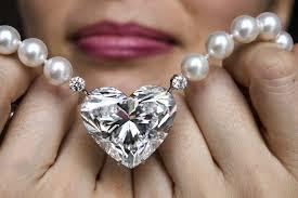 La-Legende-diamond-goes-to-auction-in-Switzerland